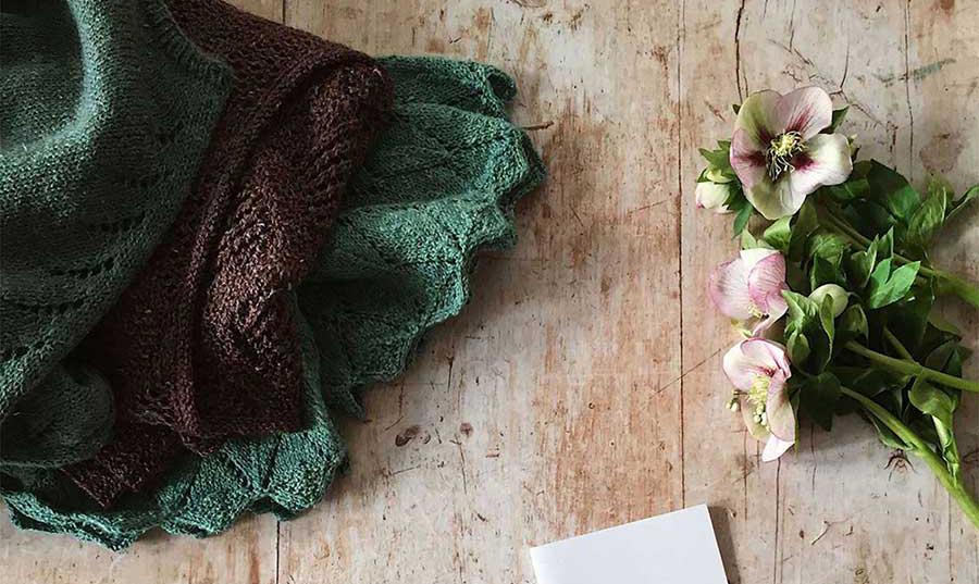work desk for knitters