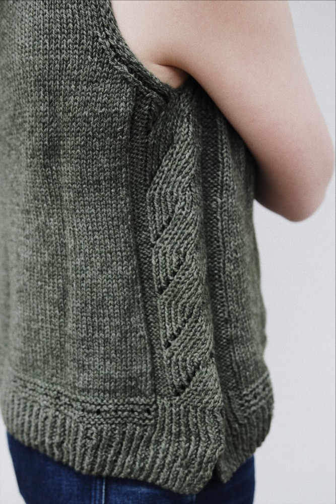 Parsley by Clare Mountain knitted using The Fibre Co. Luma