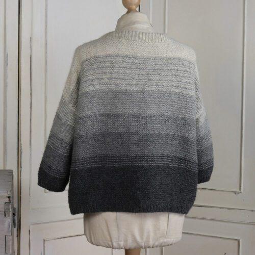 Back of the Mellbreak pullover in garter stitch grey gradient